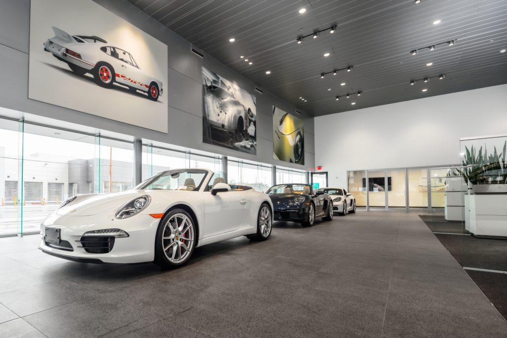 Porsche of South Shore 29