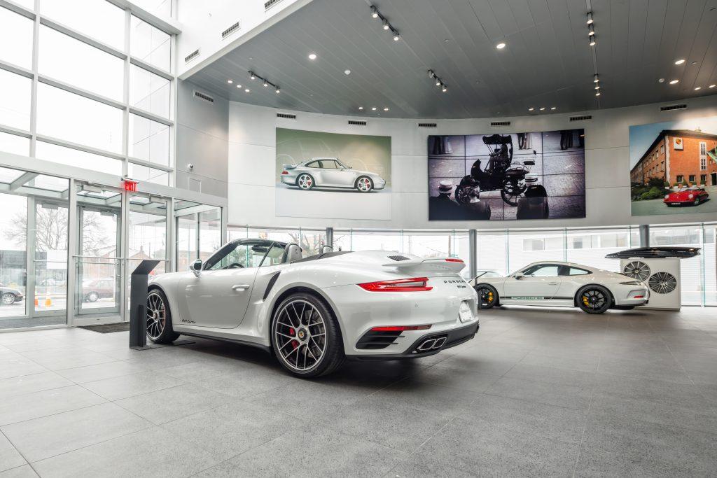 Porsche of South Shore 30